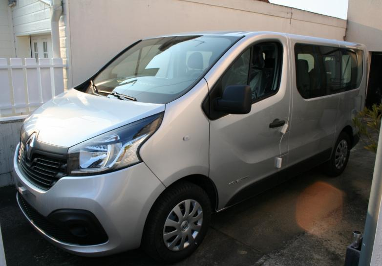renault nouveau trafic combi zen 9 places dci twin turbo. Black Bedroom Furniture Sets. Home Design Ideas