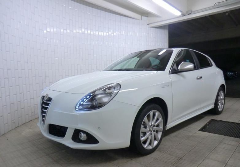 alfa romeo new giulietta exclusive 1 4 tb multiair 170 cv s s tct en sarthe mandataire auto. Black Bedroom Furniture Sets. Home Design Ideas