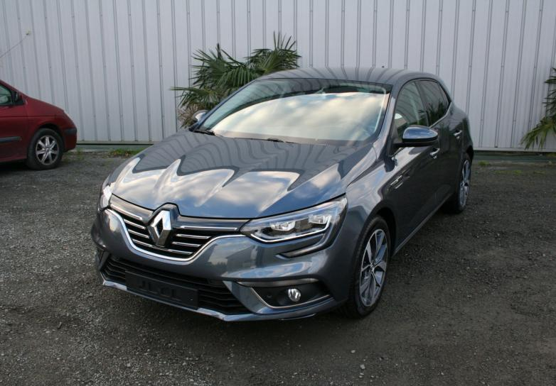 renault nouvelle megane 4 bose 1 6 dci energy 130 cv en sarthe mandataire auto sarthe pays. Black Bedroom Furniture Sets. Home Design Ideas