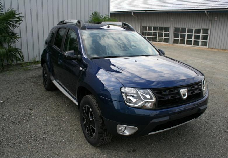dacia duster black touch dci 110 cv 4x4 cuir et camera neuf stock et arrivages en sarthe. Black Bedroom Furniture Sets. Home Design Ideas