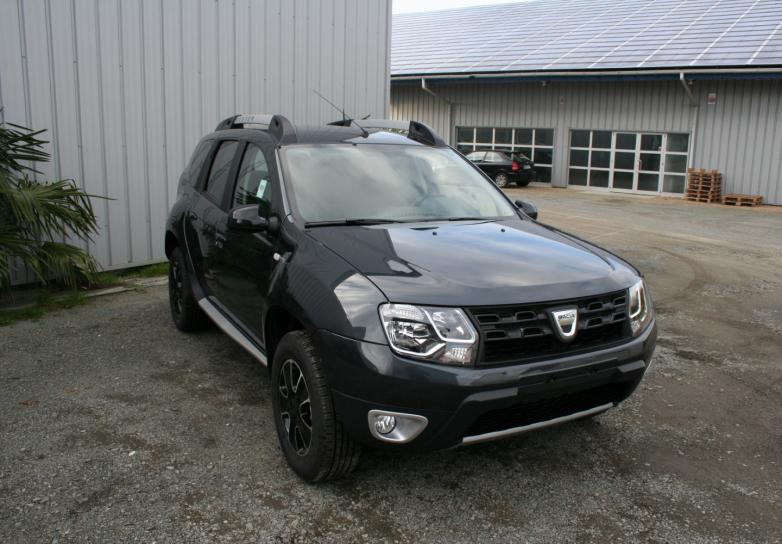 dacia duster black touch dci 110 cv 4x4   cuir et camera