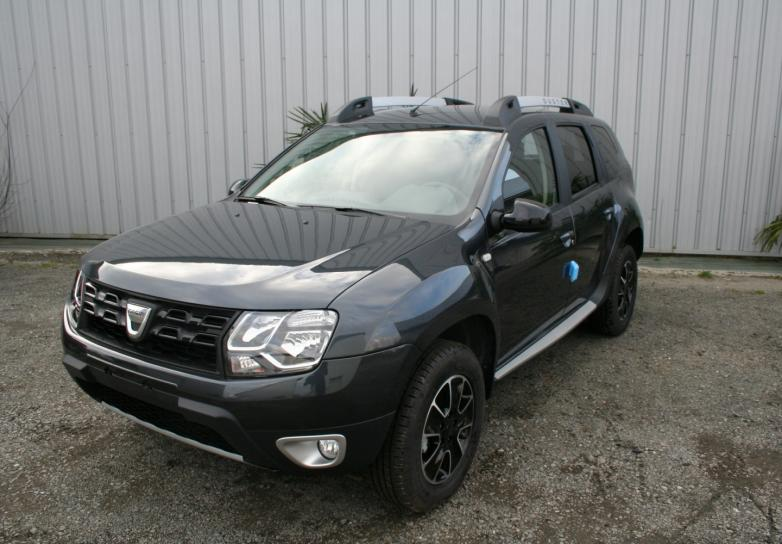 dacia duster black touch dci 110 cv 4x4 cuir et camera en sarthe mandataire auto sarthe. Black Bedroom Furniture Sets. Home Design Ideas